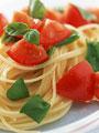 生トマトとバジルのスパゲティの写真