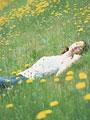 花畑の女性の写真