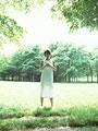 森林の女性の写真