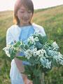花束と女性の写真