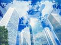 青空とビル街の写真