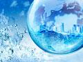 地球儀と水しぶきの写真