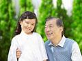祖父と孫の写真