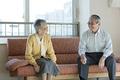 老夫婦の会話の写真