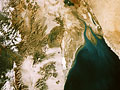 宇宙から見た地球(NASA提供)の写真